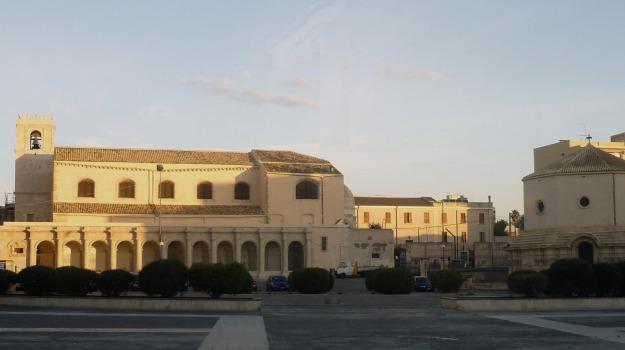 basilica, santa lucia, vincenzo vinciullo, Siracusa, Economia