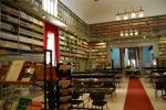 Cantiere «aperto» alla Fardelliana: via al restauro di 2 libri del '700