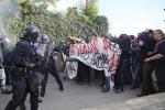 Renzi a Brescia: protestano i centri sociali, tensioni con la polizia - Foto