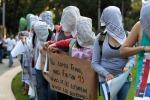 """Messico, 43 studenti """"desaparecidos"""" uccisi e bruciati: """"Vogliamo giustizia"""""""