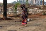 India, denuncia i suoi tre stupratori: il branco si vendica e le dà fuoco