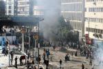A bordo di una moto sparano ai poliziotti, ucciso un agente in Egitto