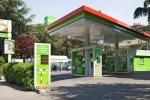 Prezzi della benzina in ribasso: punte minime di 1,48 euro