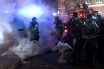 Uccise ragazzo nero, ma non viene incriminato: scontri a Ferguson - Foto