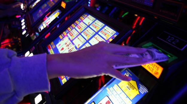Alcamo, gioco d'azzardo, Trapani, Cronaca