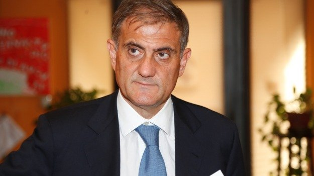 riforma ex province, Giovanni Ardizzone, Matteo Renzi, Rosario Crocetta, Sicilia, Politica