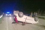 Piazza Armerina, auto si ribalta: ferite quattro persone