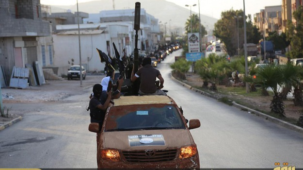attacco giacimento petrolio, Isis, operai francesi, Sicilia, Mondo