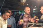 Joe Bastianich a Palermo fa tappa al mercato della Vucciria - Video