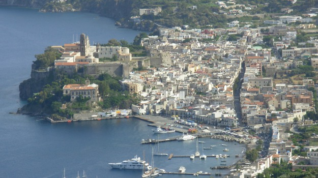 eolie, locali, vulcano, Messina, Cronaca