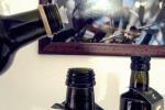 Addio vecchie oliere, obbligo del tappo speciale: multe fino a 8 mila euro