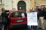 Multe al sindaco di Roma, la Panda rossa diventa un caso politico