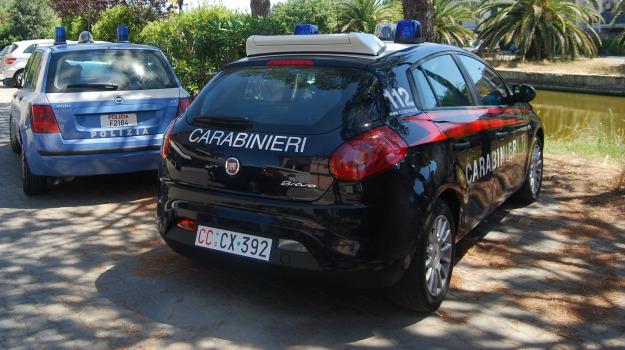 aggressione, Ato, carabinieri, catena, operaio, Palermo, Cronaca