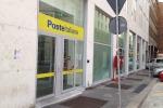 Rapina alle poste di piazza Unità d'Italia, rubati 500 euro