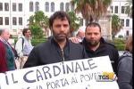 Palermo, i senzacasa protestano in Cattedrale