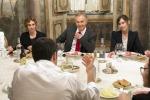 Incontro Renzi-Blair, a Palazzo Chigi cena a base di pizza e birra. Le Foto