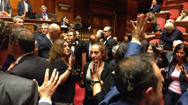 bagarre, fiducia, governo, legge, m5s, Sblocca-italia, Senato, Sicilia, Politica