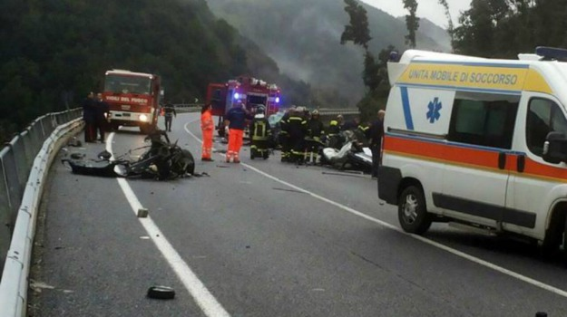 6 morti, calabria, incidente, Sicilia, Cronaca