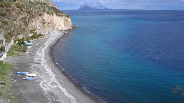 isole minori, trasporti, Messina, Economia