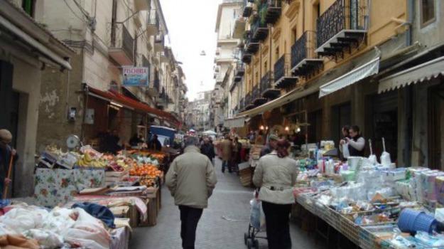 commercio, Mercato, strata 'a foglia, Caltanissetta, Economia