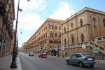 Evade i domiciliari, trovato a passeggiare in via Roma: arrestato 67enne