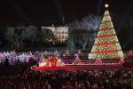 Uno show e tante luci, la famiglia Obama al completo accende il tradizionale albero di Natale - Foto
