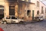 Auto e case in fiamme a Nicosia: colpito locale dell'ex sindaco Malfitano