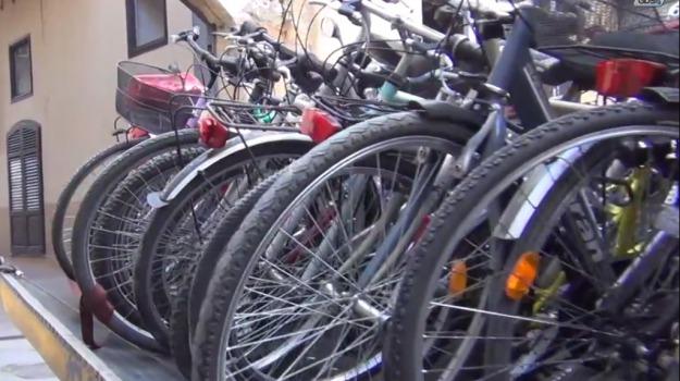 biciclette, favignana, Trapani, Cronaca