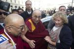 """Il Dalai Lama non incontrerà Papa Francesco: """"Evitiamo inconvenienti"""""""