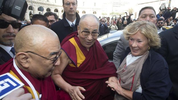 buddhista, roma, visita, Dalai Lama, Papa Francesco, Sicilia, Mondo