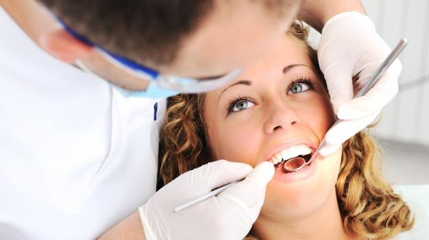 denti, dentista, ritocco, viso, Sicilia, Società