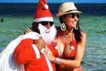 Elisabetta Gregoraci più sexy che mai: feste natalizie in bikini sotto il sole caldo del Kenya - Foto
