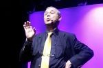 Spettacolo di beneficenza a Palermo: Gianni Nanfa sul palco del teatro Jolly per i diritti dei disabili - Foto