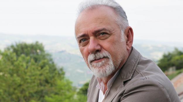 attore, cantante, libro, scrittore, Giorgio Faletti, Sicilia, Cultura