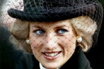 """Lady D parlò alla regina delle sue nozze """"senza amore"""" in un video: scoppia la polemica"""