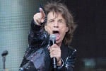 Dalla Brexit all'immigrazione, Mick Jagger torna con due singoli politici