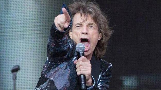 """Mick Jagger super star a Lucca canta anche in italiano: """"Mi sento un po' romantico"""""""
