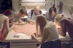 Moda, viaggio nell'atelier Dior: in un docu-film il debutto di Simons