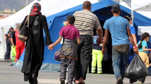 immigrazione, migranti, pozzallo, sbarco, Ragusa, Cronaca