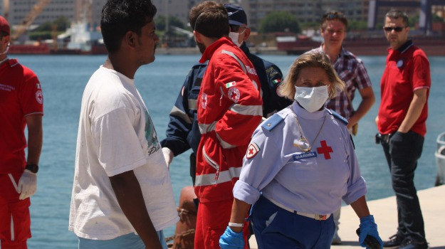 catania, migranti, procura, Catania, Cronaca