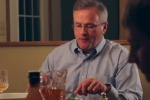 I figli chattano durante la cena, la reazione del padre spopola sul web