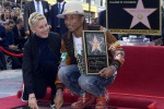 Pharrell Williams si aggiudica la stella sulla Hollywood Walk of Fame - Foto