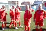 A Gela una squadra di calcio composta da soli... preti - Video