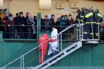Traghetto in fiamme nell'Adriatico, tutte le foto del salvataggio