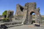 Aci Castello, la guerra della tassa di soggiorno