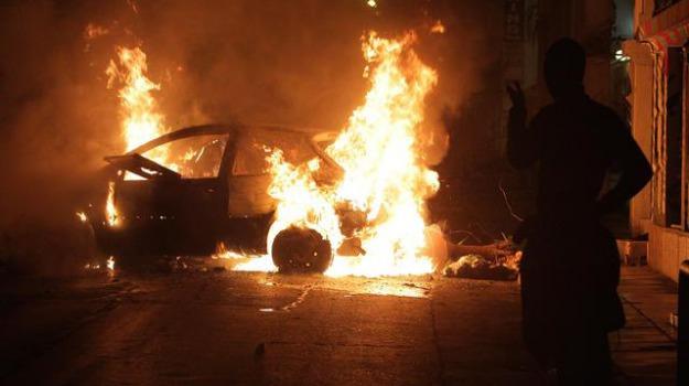 manifestazione, polizia, scontri, Sicilia, Mondo