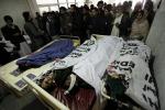Pakistan, attacco kamikaze a una scuola dell'esercito: oltre cento morti, molti bambini