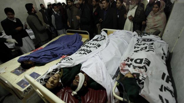 attacco, kamikaze, peashawar, scuola, talebani, Sicilia, Mondo