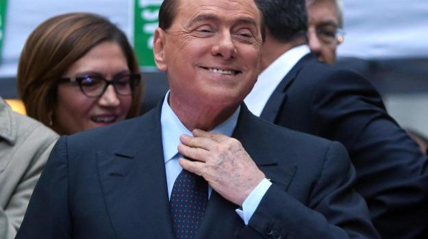 ballottaggi, centrodestra, forza italia, Matteo Renzi, Silvio Berlusconi, Sicilia, Politica
