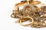 Caltanissetta, blitz della mobile: oro rubato finito in negozio